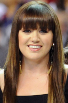 Kelly Clarkson Super Bowl Hairstyle