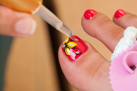 customer satisfaction pedicure and manicure services Located conveniently in tempe, arizona, zip code 85282, oscar nails and spa is one of the best beauty salons – would bring you the most memorable and wonderful time when using our services our salon takes pride in providing our valued customers all good services and customer service satisfaction.