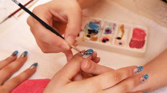 How to becom a successful nail tech